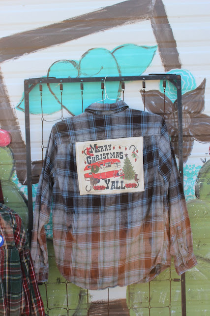 Christmas shirt with vintage glamper