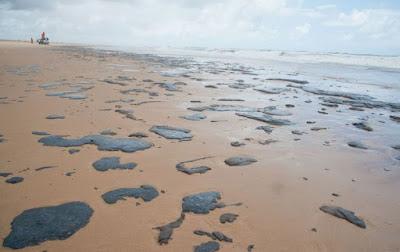 Justiça determina que União contenha avanço de óleo em Sergipe