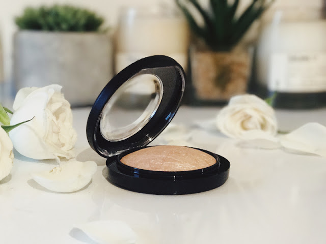 MAC Mineralize Skinfinish in Soft & Gentle