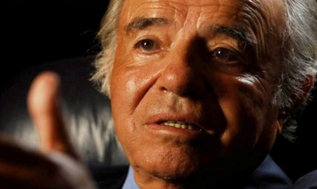 El expresidente argentino Carlos Menem da negativo a prueba de covid-19