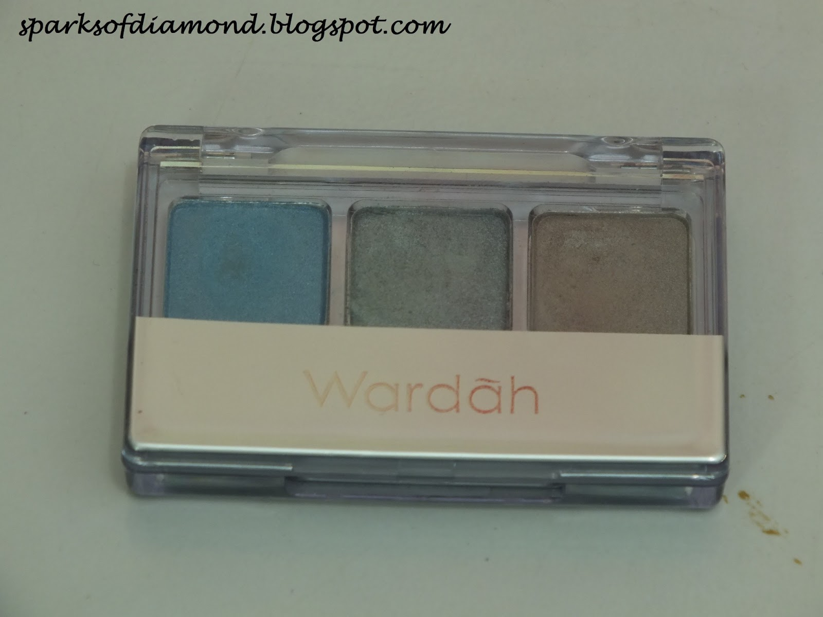 Sparks of Diamond: Product Review : Wardah Eye Shadow Blue (E)