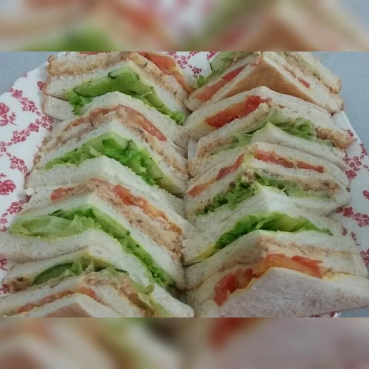 Diari Suri Bekerjaya: Sandwich Sardin / Tuna