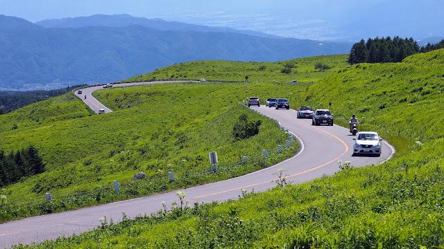 上諏訪から霧ケ峰高原まで上り、ビーナスラインで白樺湖へ。白樺湖から大門街道~八ケ岳エコーラインを通って小淵沢まで走るサイクリングコース