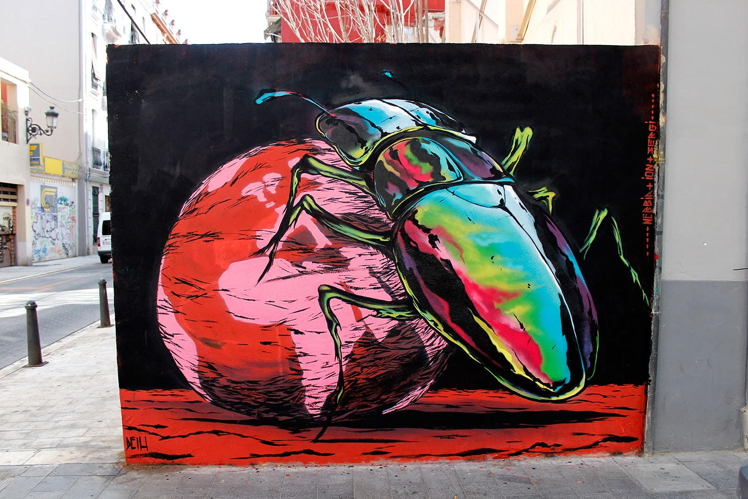 """While we last heard from him last week with """"Insight"""", Deih is already back on the streets of Valencia in Spain with this new piece which is entitled """"Keep It Rotating""""."""