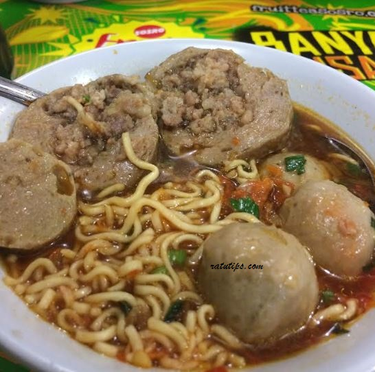 Review Bakso PMI, Bakso Rudal Terlezat di Bogor, Gede Banget!