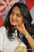 Anushka at Size Zero Pressmeet-thumbnail-2