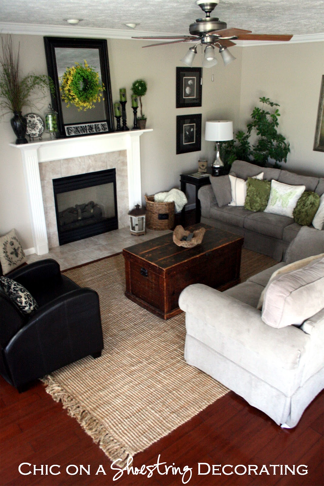 images of small living rooms chic on a shoestring decorating let s cut a rug 20707