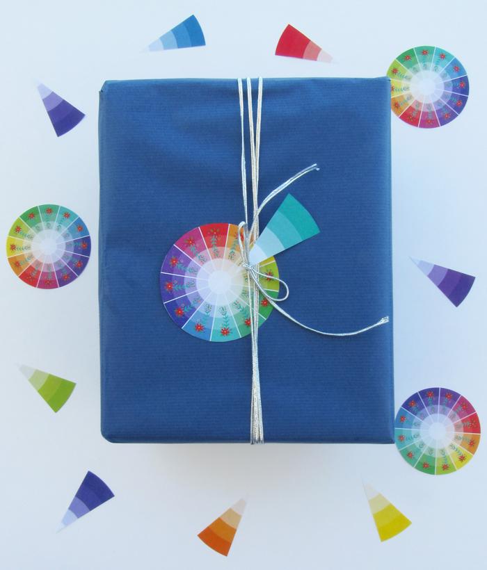 Etiques de regalos imprimibles gratuitas, descarga, envoltura regalos, rueda de colores, círculo cromático