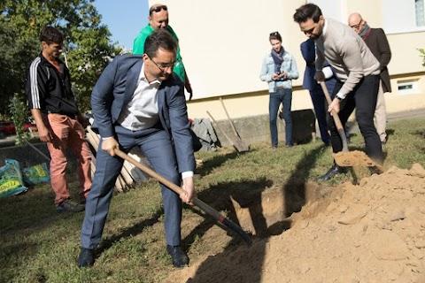 Parképítés, játszóterek, sportpálya: megszépül a debreceni Vénkert