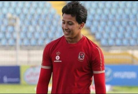 عمرو جمال مهاجم الأهلي يعلن إصابته بكورونا