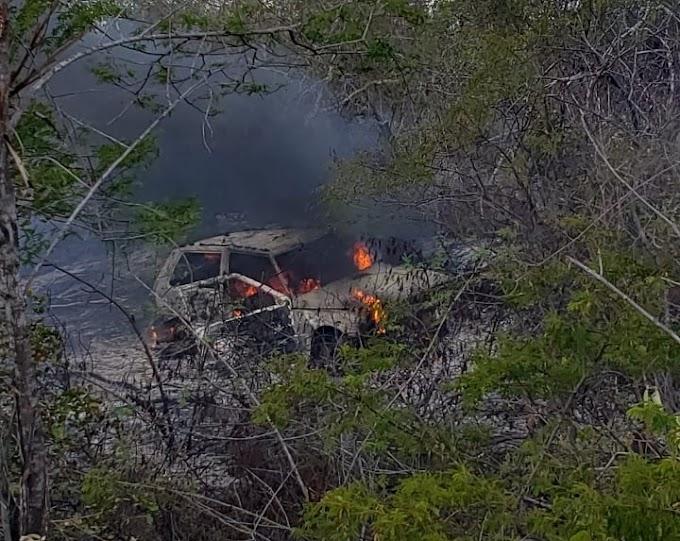Urgente: Veículo da ocorrência do caso Manoel Simeão é incendiado.