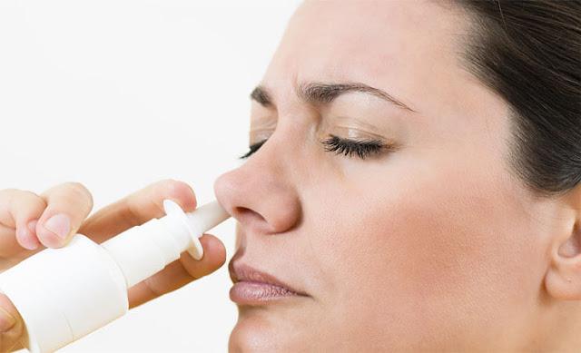 17 طريقة طبيعية لعلاج انسداد الانف Saline-nasal-sprays.