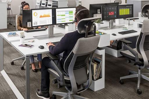 Bàn ghế công thái học giúp giảm mệt mỏi khi làm việc