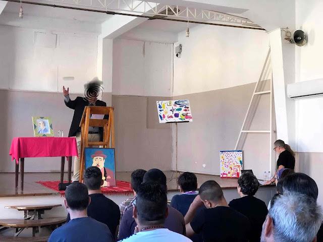 Έγκλειστοι των Αγροτικών Φυλακών Τίρυνθας παρουσίασαν την δική τους θεατρική παράσταση