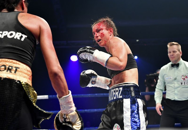 Katharina Thanderz defeats Danila Ramos 3