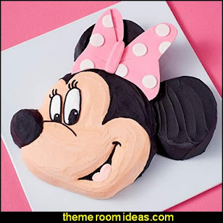 Wilton Aluminum Mickey Mouse Cake Pan used to create Minnie Mouse cake