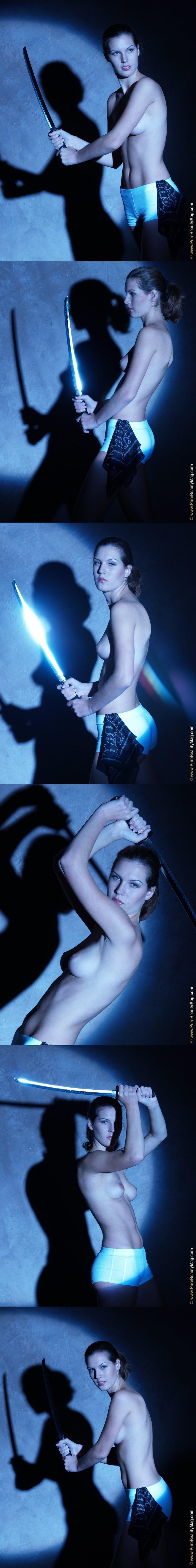 PureBeautyMag PBM  - 2005-09-18 -  s118684 - Lucie T - Moon Light - 2560px