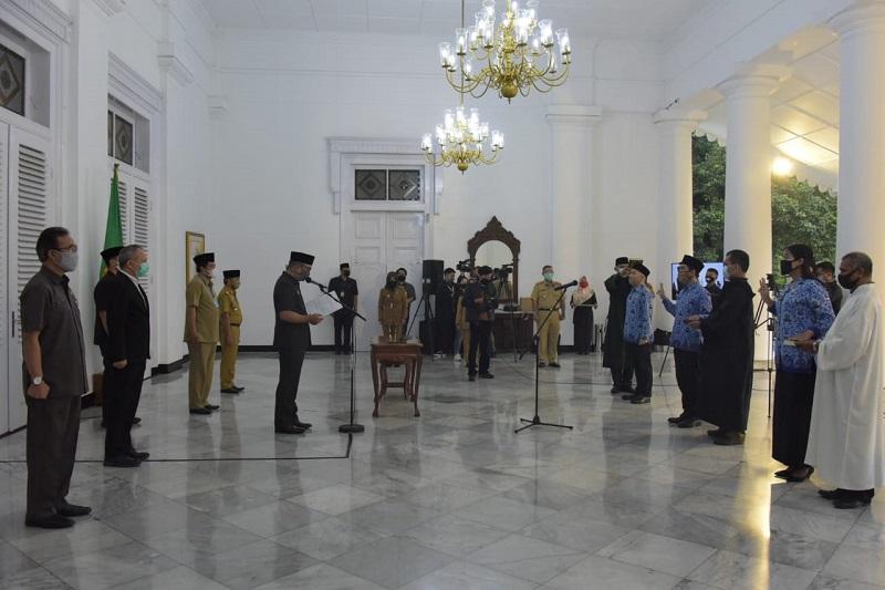 Ridwan Kamil Lantik 1.073 CPNS Pemdaprov Jabar via Teleconference