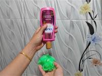 Self-Love Bersama Vitalis Perfumed Moisturizing Body Wash