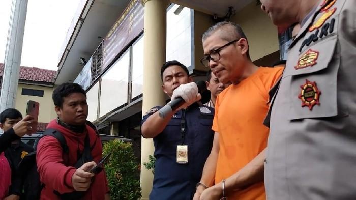 Tohap Silaban, Pemobil Ajak Duel Polisi Resmi Ditahan di Polres Jakbar