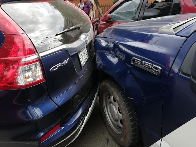 Patrulla involucrada en accidente vial