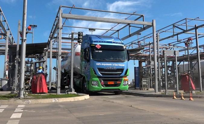 IVECO inicia testes com o primeiro caminhão movido a gás no Chile