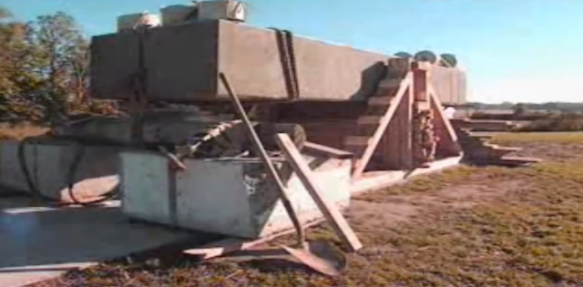 A man moves 20-ton blocks with his bare hand – Forgotten ancient technology
