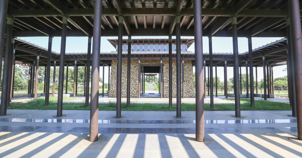 台中大雅|中科橫山公園|一座有堡壘的公園|生態滯洪池|陽光草坪|自行車道