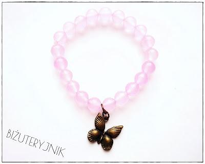 Bransoletka light pink z jadeitu z motylkiem