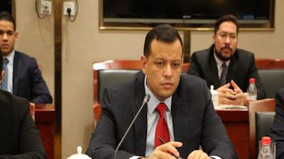 Simón Zerpa asume la dirección de Banco Bicentenario