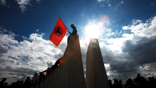 Montenegro adopts law - Albanians allowed to publicly use and display their national symbols