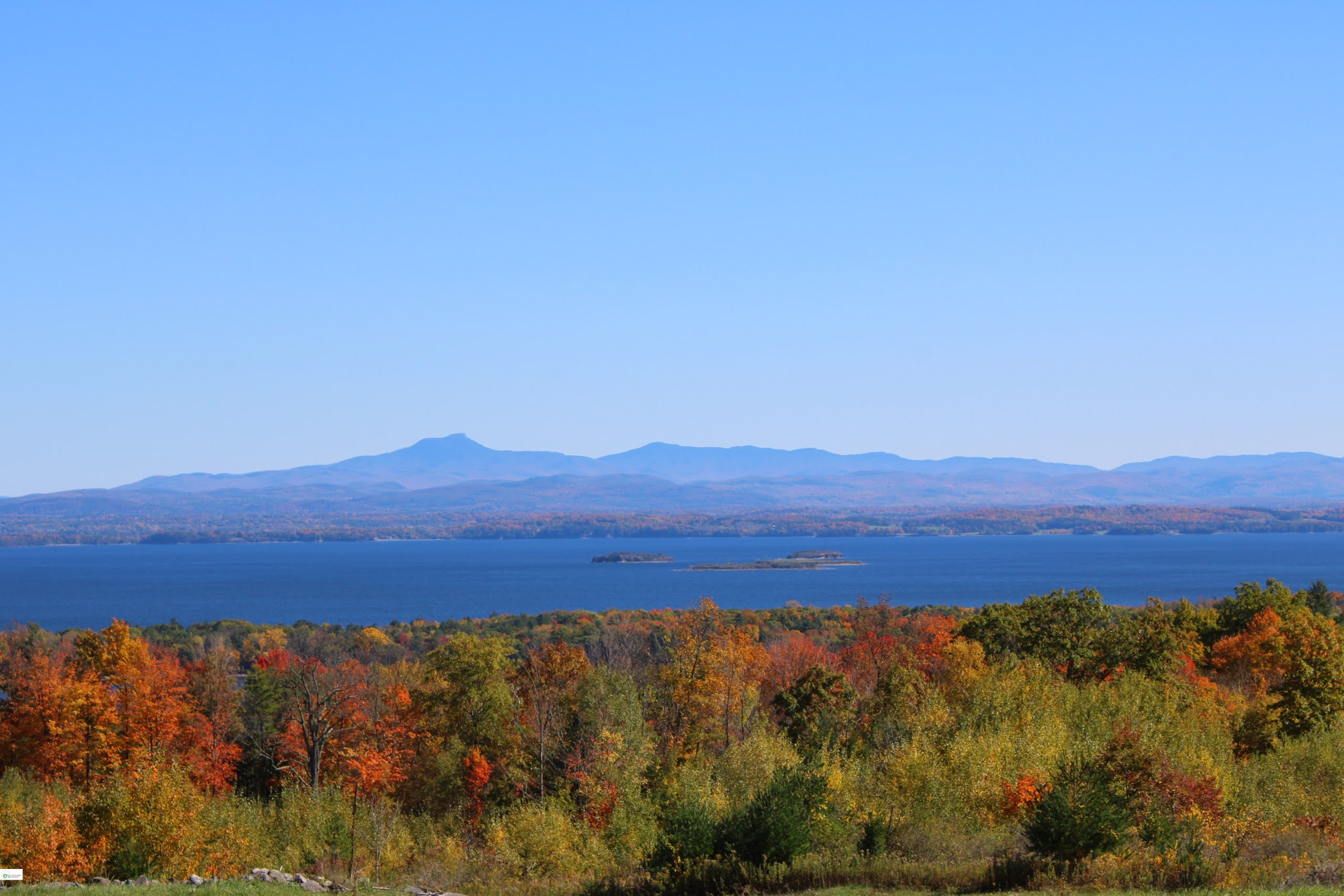 Fall Drive Overlooking Lake Champlain // Upstate New York