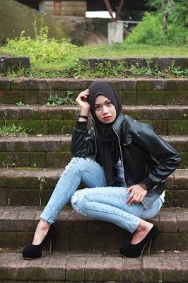 cewek manis dan imut Model Hijab seksi Celana Ripped Jeans