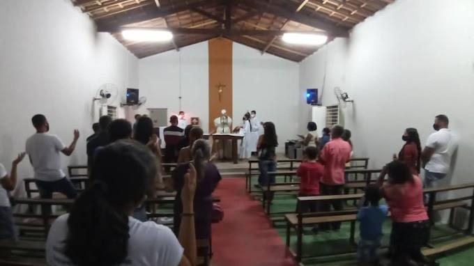 Comunidade Mocambo volta a ter missas com presença de fiéis