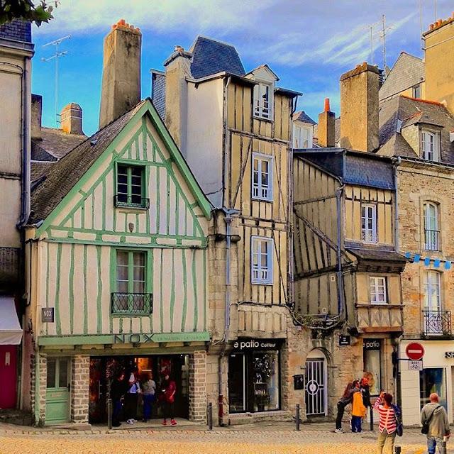 Center Ville I Vannes I Brittany I France I Travelling Hopper I