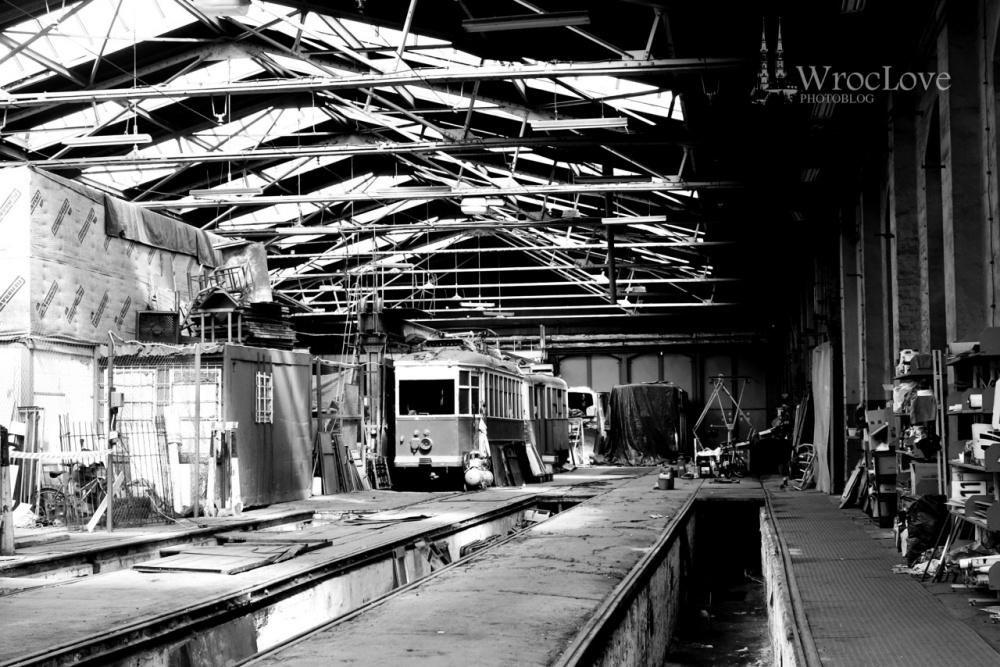 Zajednia Popowice - wnętrze hali remontowej