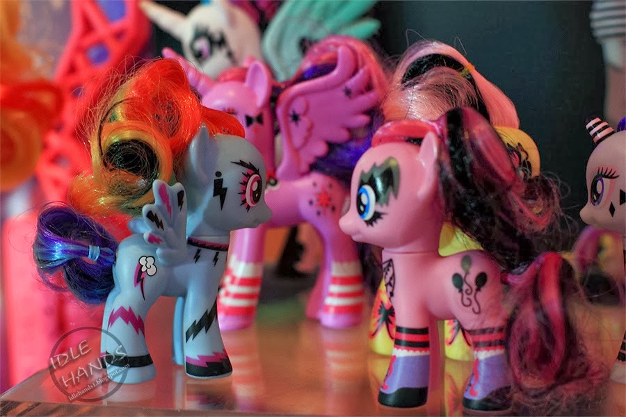 rainbow rocks / kiss / funky brushable rainbow dash and pinkie pie