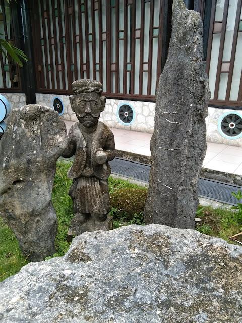 Patung Nias