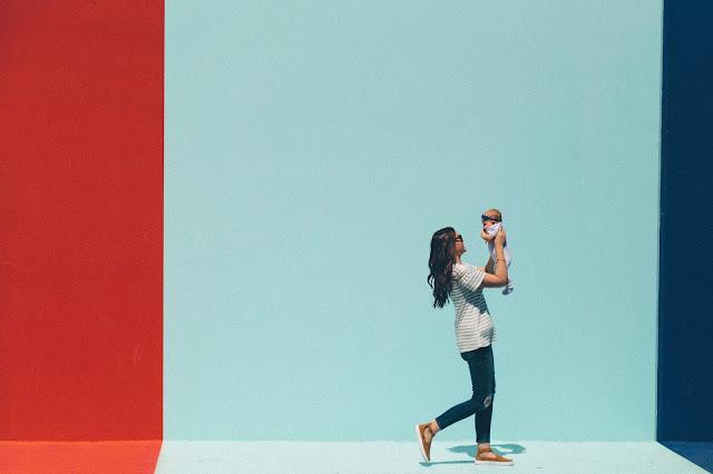 Abbigliamento fashion per mamme che vanno sempre di corsa
