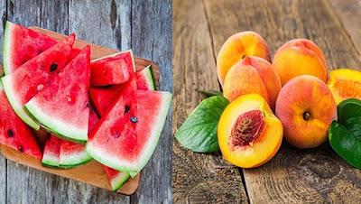طبيب أطفال يحذر: البطيخ والخوخ في الطقس الحار يسبب التيفويد والنزلات المعوية