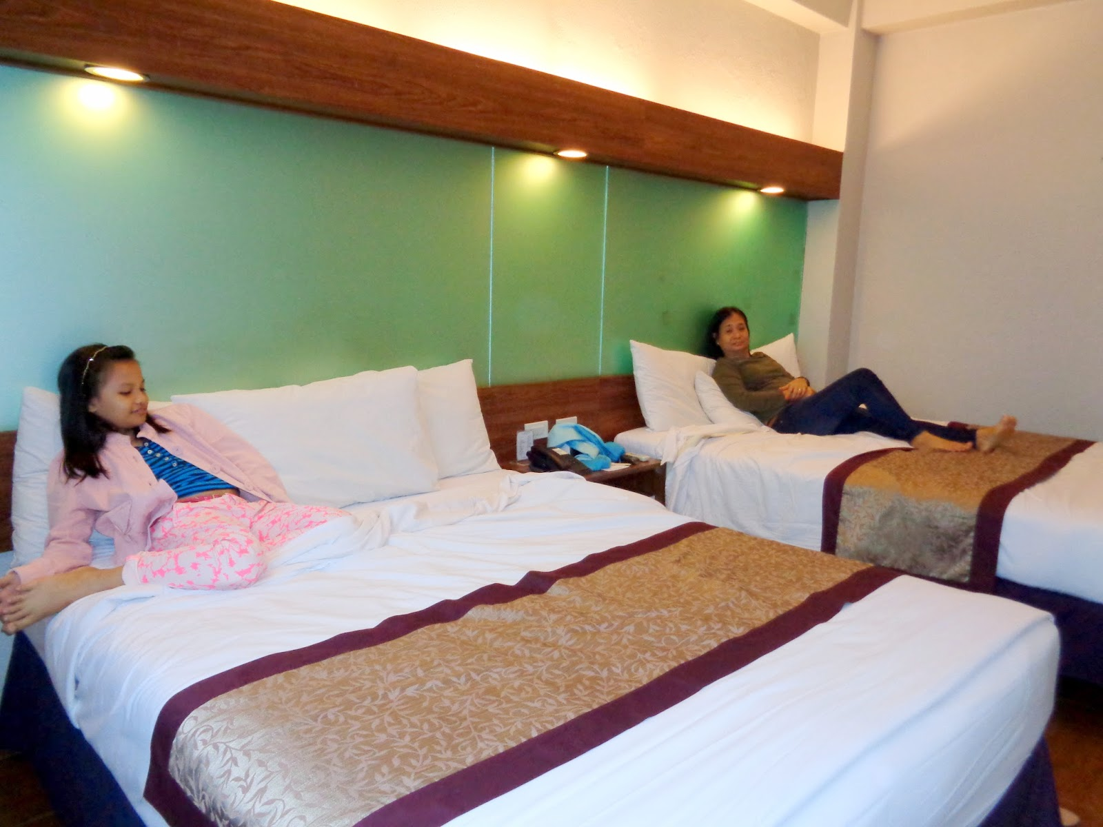 Queen Double Room Microtel Baguio