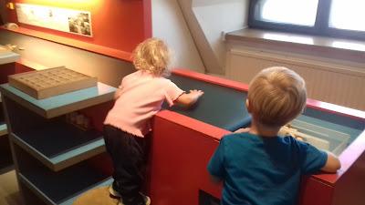 Kansallismuseo leikit lapset