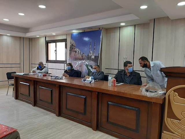 لقاء جماهيرى بحى غرب سوهاج لسماع شكاوى المواطنين.