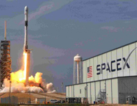 For US Military, SpaceX Blasts off Powerful GPS Satellite