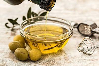 drinking olive oil for acne scars