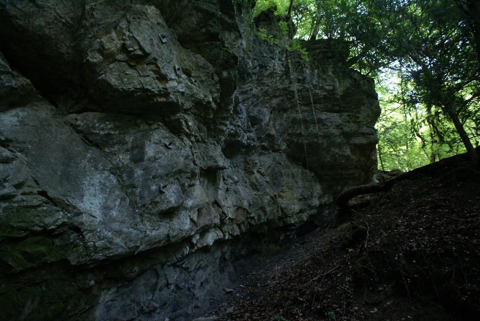 seythenex cascade grotte cave waterfall savoie mont blanc france alpes alps
