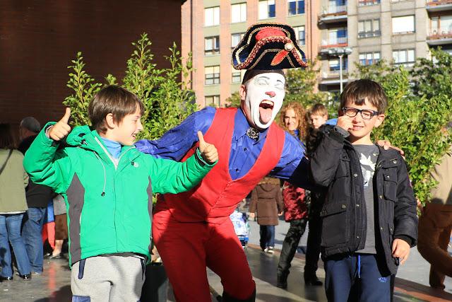 Presentación del Circo Italiano en Herriko Plaza