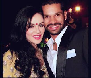 Shikhar dhawan with wife