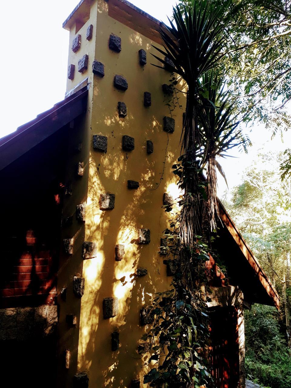 Casa da Bruxa e Trilhas no Bosque Alemão de Curitiba