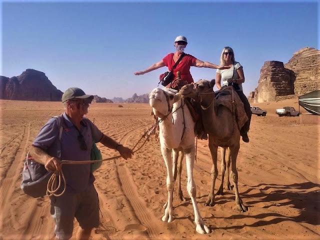 passeggiata sul dromedario al wadi rum